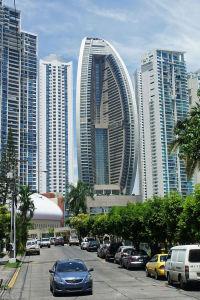 682px-Panama_08_2013_Trump_Ocean_Tower_7086-1jmmt2f